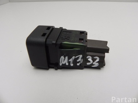 CITROËN 95835T02 C3 II 2011 Key switch for deactivating airbag